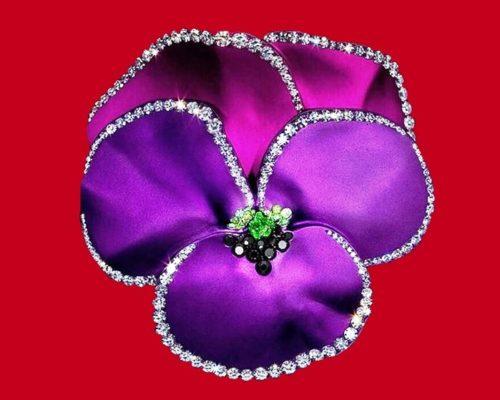 Violet pansy flower, enamel, diamond brooch