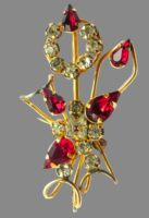 1940s gold plated brooch, floral motif. Crystals, rhinestones, 24K gold, 4.2 cm