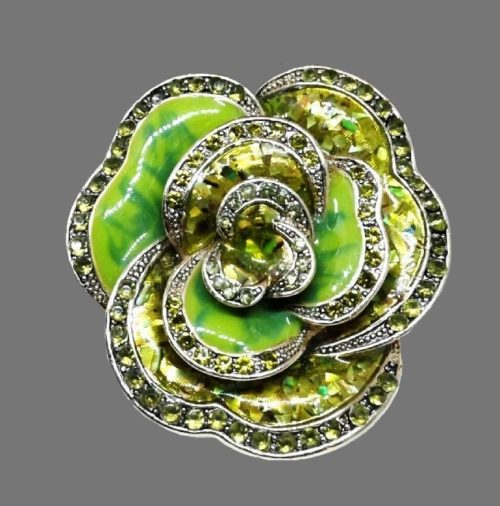 An elegant flower brooch made of jewelry alloy of gold tone with enamel. 4.5 cm