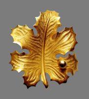 Autumn leaf brooch. Gold tone jewelry alloy, enamel