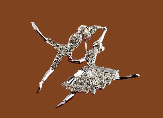 Ballet dancers. 1960s brooch. Jewelry alloy, crystals. 6 cm