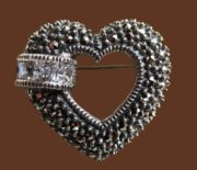 Beautiful heart brooch. Sterling silver, marcasites and enamel