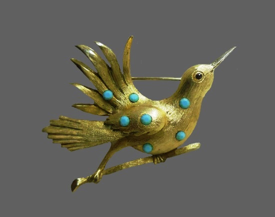 Bird brooch. Gold tone alloy, faux turquoise. 6 cm. 1970s