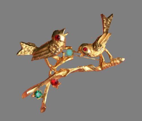 Bird brooch. Gold tone metal, copper, rhinestones. 5 cm. 1960s