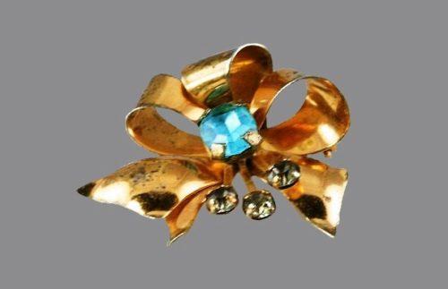 Bow brooch pin. 1940's vintage, sterling silver, rhinestones