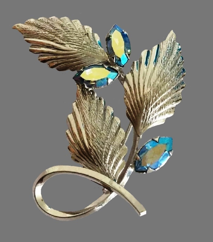 Bright blue crystal floral design brooch
