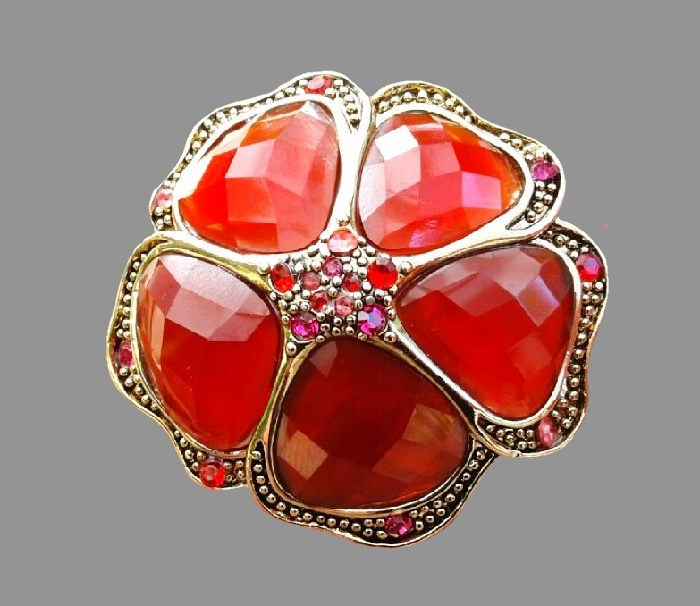 Bright red flower brooch. Jeweler alloy of gold tone with art glass and crystals