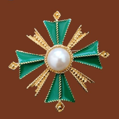 Brooch in the form of a Maltese cross. Made in gold metal. Enamel. Decorated with a large artificial pearl. 6 cm