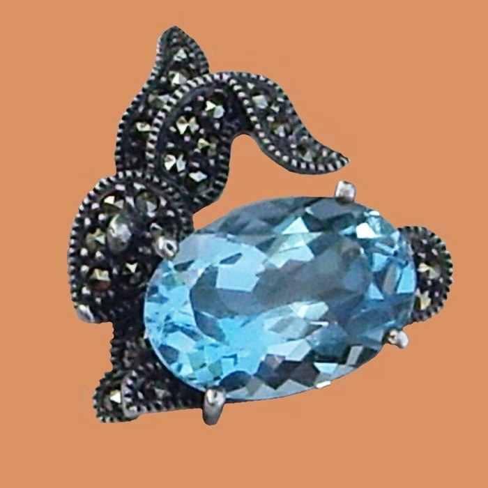Bunny silver brooch, marked with Judith Jack. Sterling 925 silver, Swarovski crystals, marcasite, blue topaz. 2.5 cm