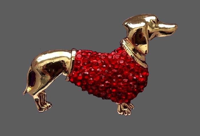 Dachshund gold tone brooch, red rhinestones
