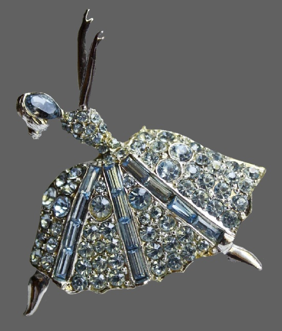 Dancing Ballerina pin- brooch. Jewelry alloy, rhinestones. 5 cm