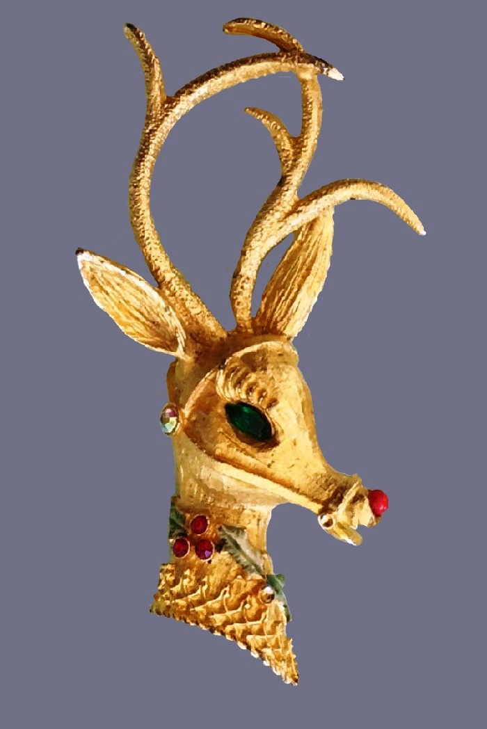 Deer Christmas theme brooch
