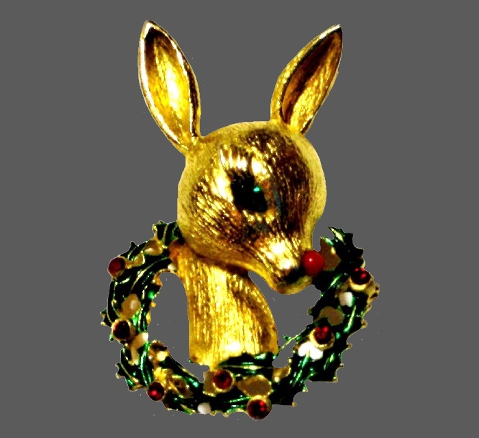 Deer Christmas wreath brooch of gold tone