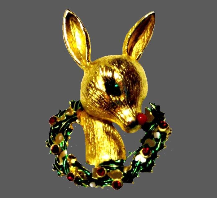 Deer Christmas wreath brooch of gold tone