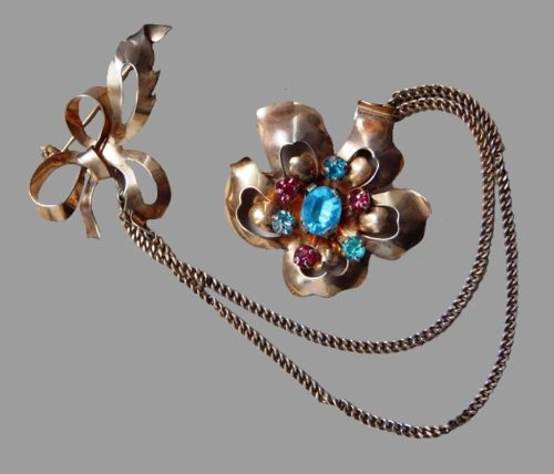 Double brooch with chain. Sterling silver, rhinestones