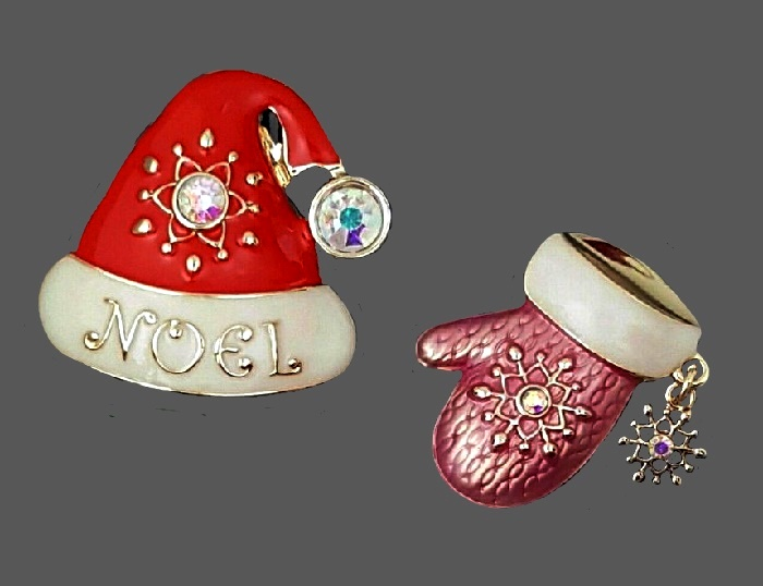 Duo pins Christmas theme Noel Santa hat and mitten. Jewelry alloy, rhinestones, crystals