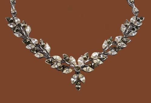 Exquisite necklace. Marquise Diamante and Smoke Rhinestones. 1950s