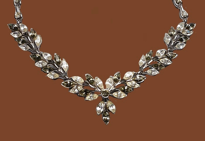 Exquisite necklace. Marquise Diamante and Smoke Rhinestones. 1950s