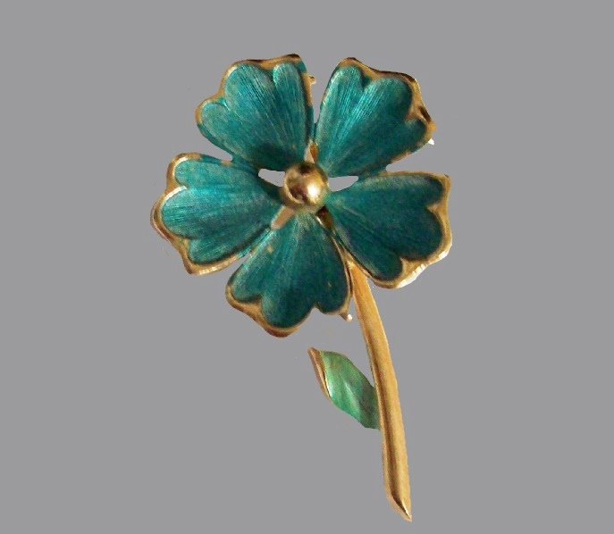 Five petal flower enamel gold tone brooch