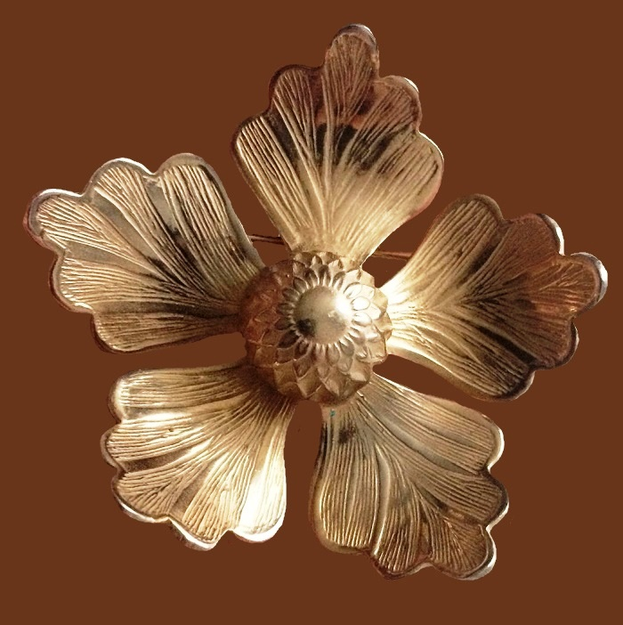 Five petal gold tone brooch, vintage