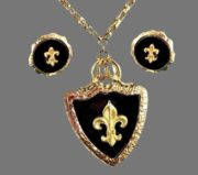Fleur de lis set of pendant and earrings. Jewelry alloy, enamel
