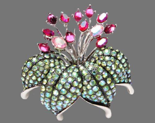 Flower Lily vintage brooch. Limited Edition. Jewelry alloy, crystals, aurora borealis, Swarovski crystals, cabochons. 5.5 cm
