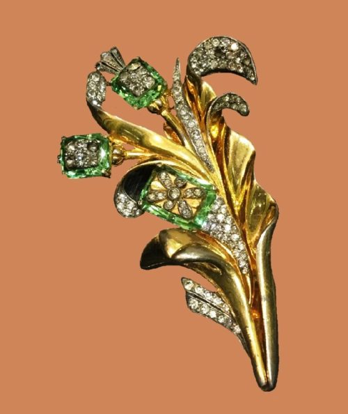 Flower brooch. Art glass, crystals, jewelry alloy, gilding. 1940s