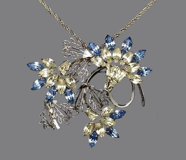 Gorgeous floral design pendant brooch