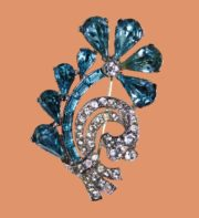 Gorgeous flower brooch