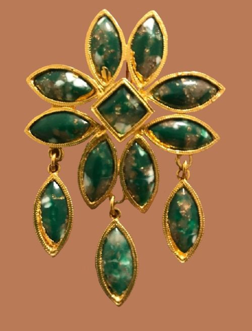 Green accent gold metal brooch