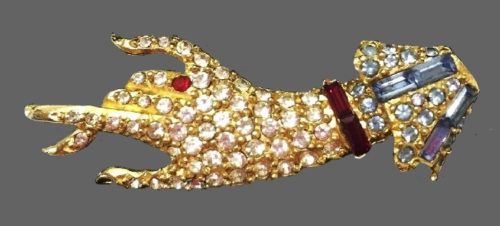 Hand pin brooch. Jewelry alloy, crystals