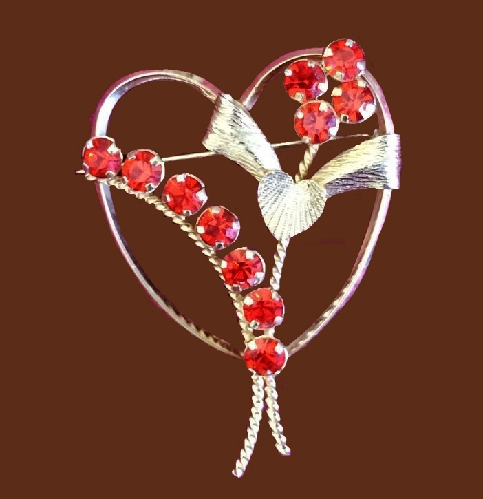 Heart with flower, vintage brooch. Gold filled, jewelry alloy, Austrian crystals