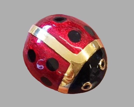 Ladybug brooch. Goldtone metal, enamel