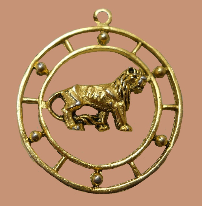 Leo zodiac sign zodiac pendant. Made of jewelry alloy of gold tone