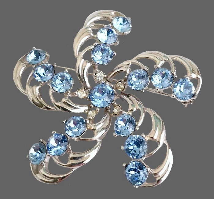 Light blue rhinestone swirling feathers brooch, rhodium plated