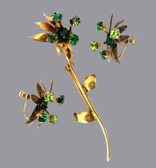 Long steam flower pin and earrings. Gold plating, sterling silver base, green rhinestones
