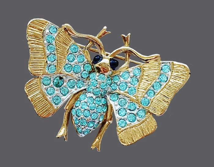 Moth vintage brooch. Jewelery alloy, cabochons, colored glass. 3.4 cm
