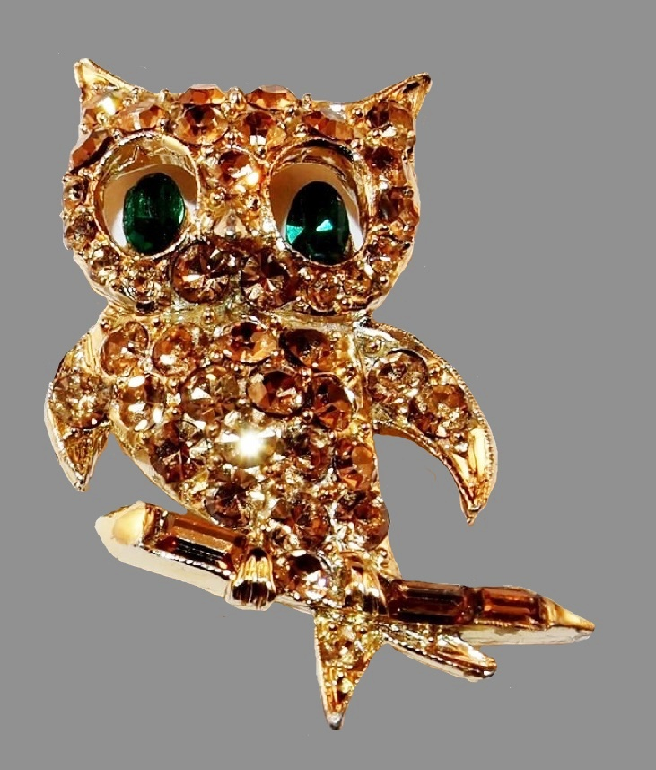 Owl brooch. Amber green rhinestones, jewelry alloy