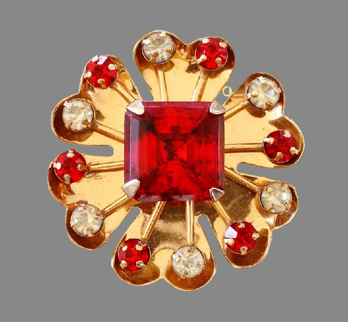 Red six petal flower brooch, gold plated