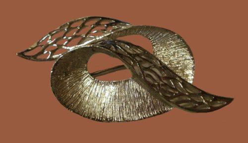 Ribbon Filigree silver tone brooch