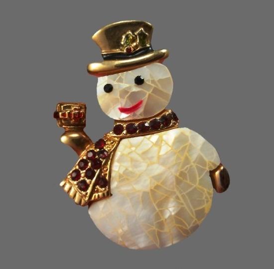 Snowman vintage brooch. Mother-of-pearl, crystals, enamel. 4.7 cm. 1980s