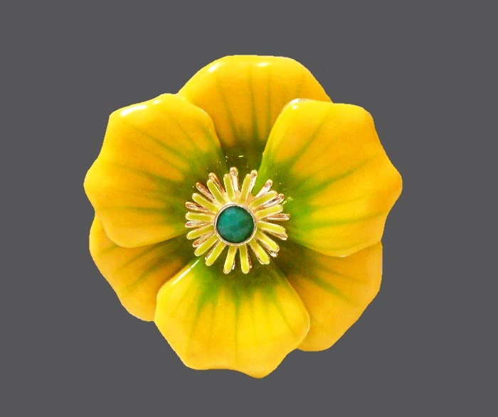 Yellow flower brooch. Jewelry alloy gold tone, enamel, rhinestones. 5.5 cm