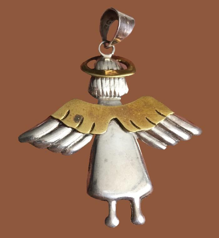 Angel silver pendant. 5.2 cm