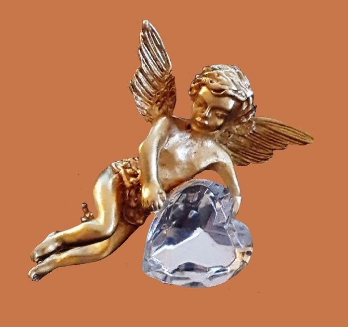 Angel with heart brooch. Jewelry alloy, rhinestones