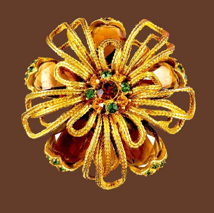 Beautiful flower brooch. Gold tone jewelry alloy, faux amber and ruby