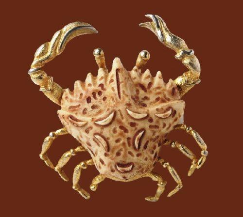Cancer Zodiac sign. Jewelry alloy, plastic. 7.8 cm. 1970s
