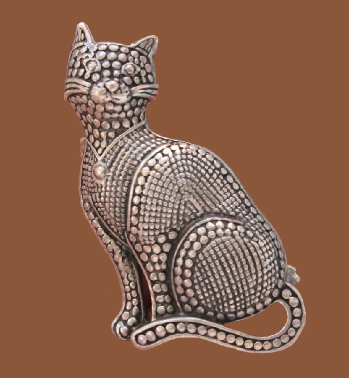 Cat brooch. Sterling silver. 5 cm