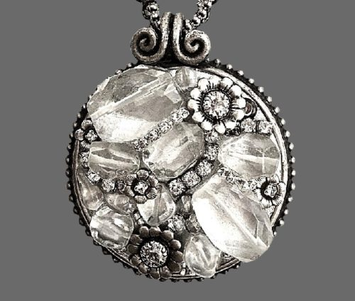 Clear lucite beads and crystals pendant made of jewelry alloy of silver tone, pewter