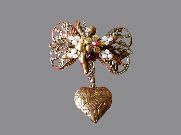 Cupid with bow and heart brooch. Gold tone metal, beads