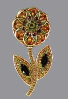 Daisy Flower brooch. Gold plated, jewelry alloy, rhinestones and cabochons